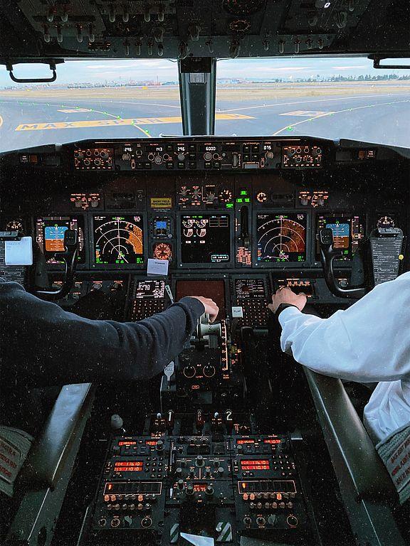 Symbolbild Flugprüfung
