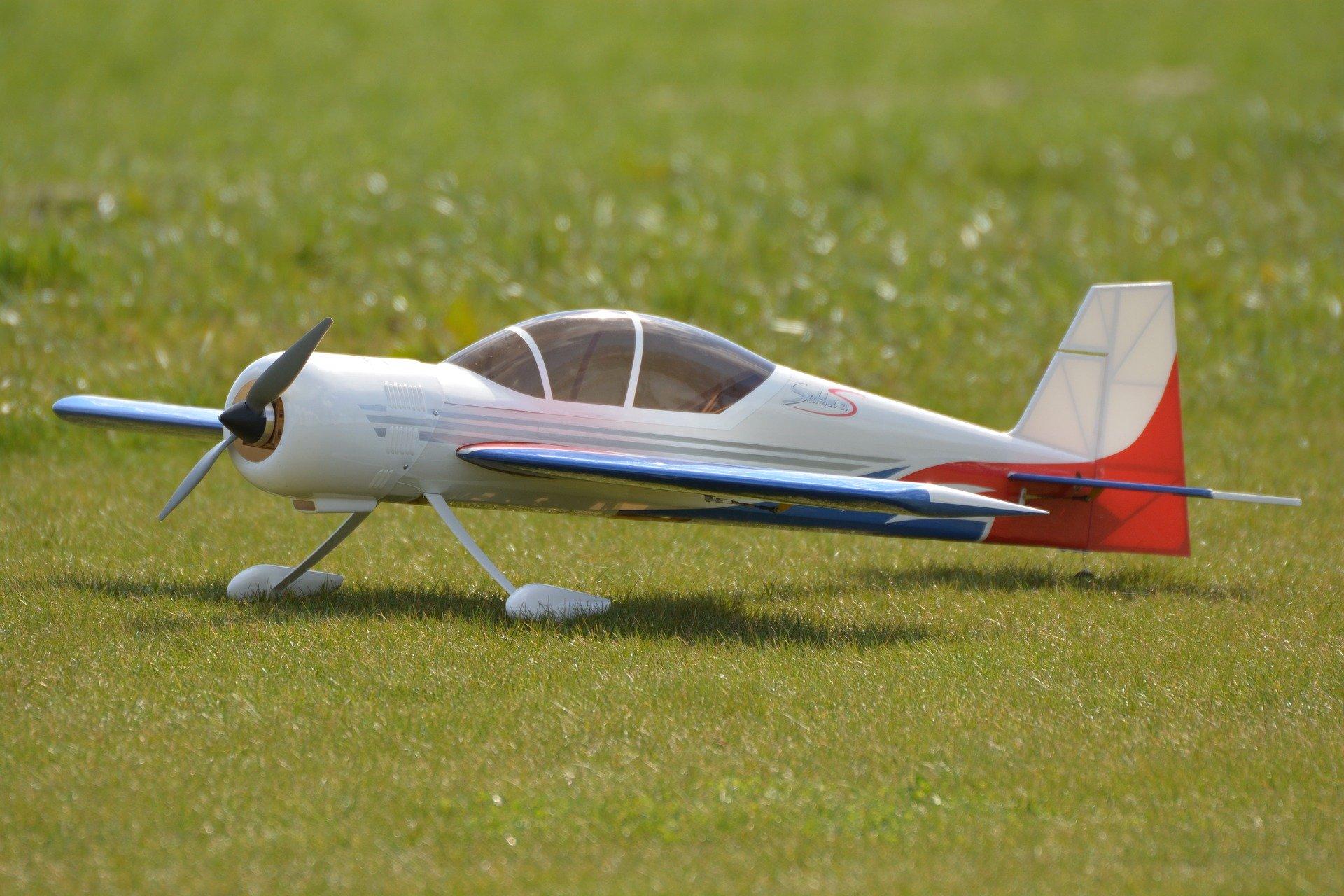Symbolbild Modellflugzeug